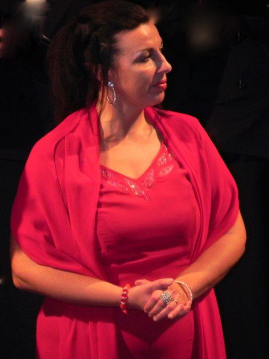 Isabella Comand - Opera Singer